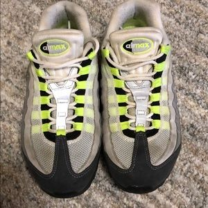 Air max lime green / grey / black size 8